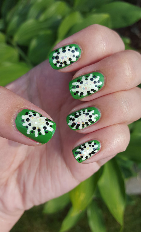 31 day challenge | #31dc2015 | day 4 green nails | kiwi nails